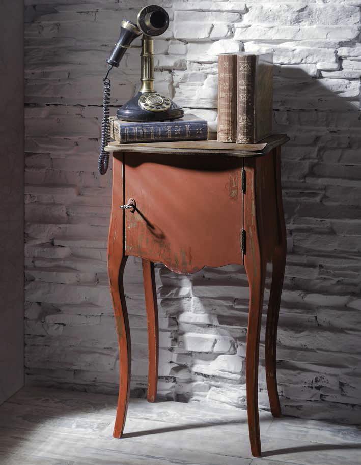 Mueble auxiliar estilo clásico