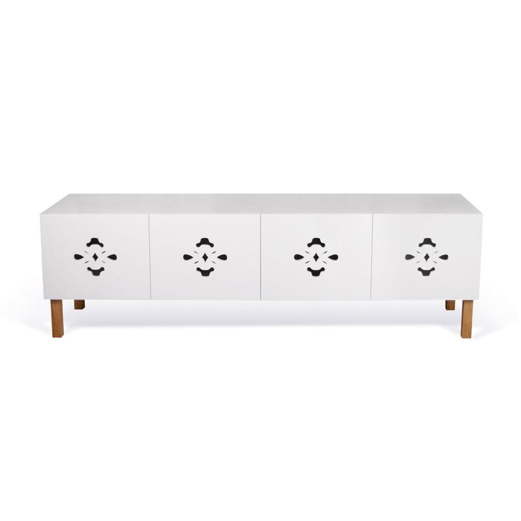Mueble blanco de tv en madera calada