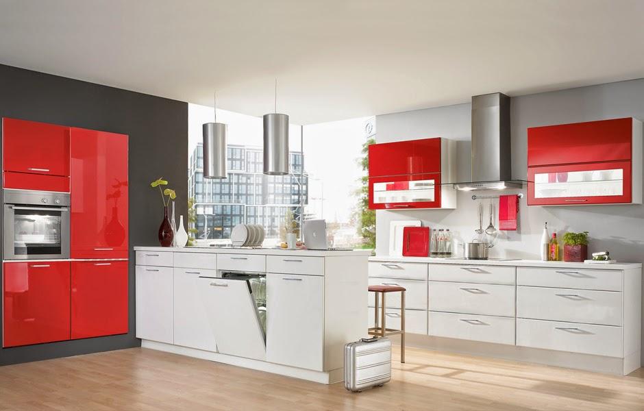 Cocina con isla en blanco y rojo